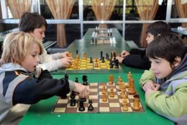 jugando-ajedrez