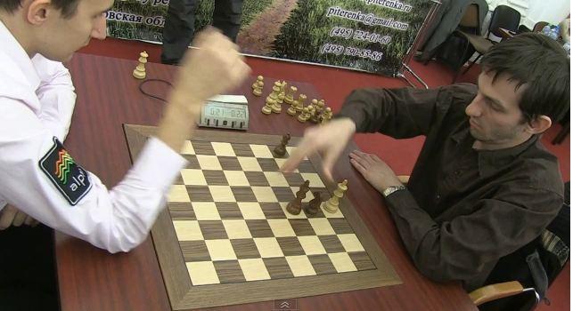Karjakin_Grischuk_blitz_PiterenkaCuo2012_game3