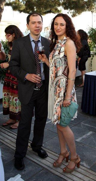 Kazimzhanov junto a su esposa