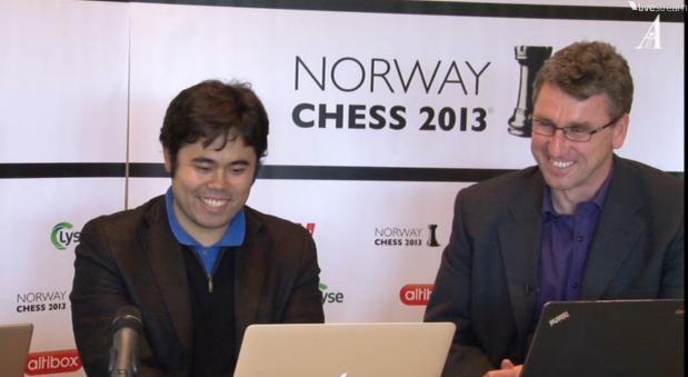 Nakamura feliz, analiza su victoria junto a Agdestein