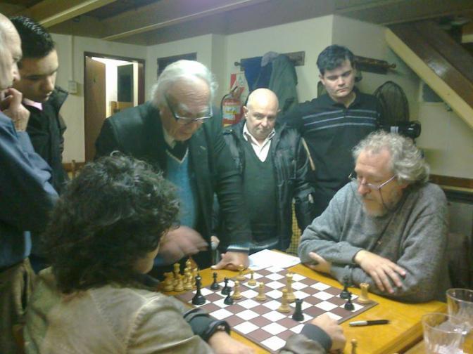 Oscar Panno analizando con Barbosa y Ricardi