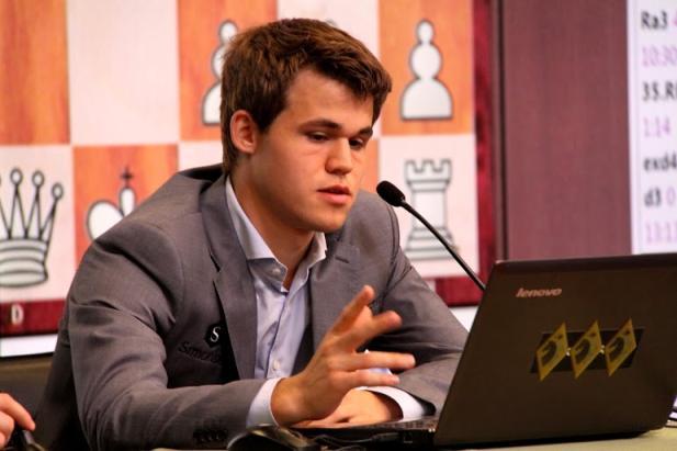 Magnus Carlsen comenta su victoria ante Kramnik