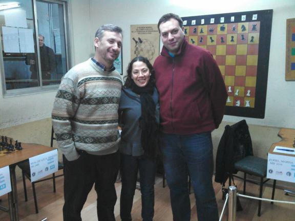 GM Ariel Sorín (auspiciante), wIM Marisa Zuriiel y el MI Nahuel Diaz