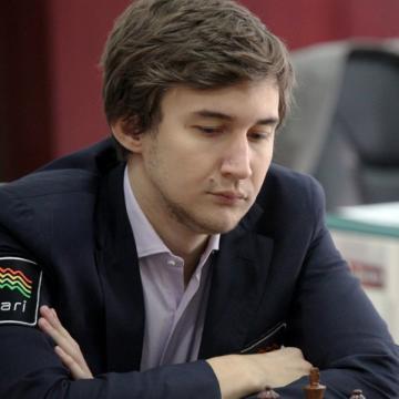 Sergey Karjakin, de recha
