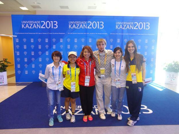 Ayelén Martinez (2da de der.a izq) junto a varias representantes de países sudamericanos.