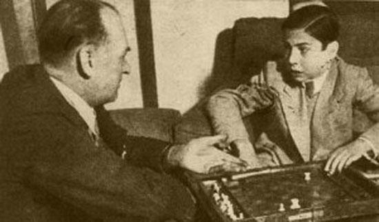 Arturo Pomar junto a Alexander Alekhine, en 1944