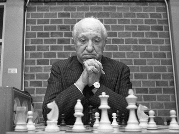 Miguel-Najdorf-El-canoso