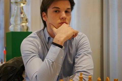 Robin Van Kampen ganó a Michael Adams