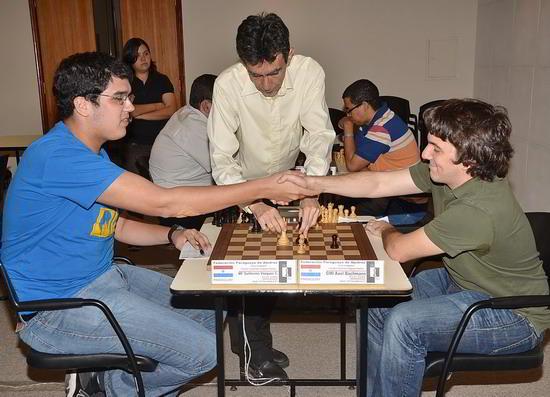 Guillermo Vazquez frente a Axel Bachmann, en la última ronda