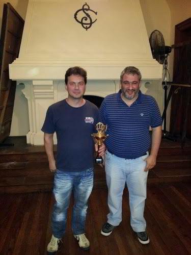 Sebastián Bramatti (izq), ganador del torneo
