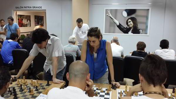 Simultáneas a cargo de Carolina Lujan, Diego Flores, Florencia Fernandez y Martín Labollita