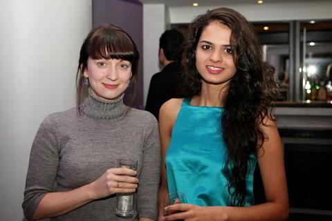 Elizabeth Paetz y Tania Sachdev
