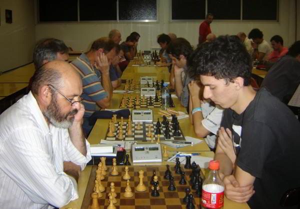 Pablo Molna (der), ganador del Abierto de Verano del Club Mariano Moreno