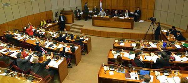 Senado-del-Paraguay,-13-demarzo-de-2014-Se-aprueba-el-ajedrez-como-materia-curricular