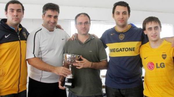 """El equipo de Boca Juniors, campeón del """"Playas de Necochea"""" 2014"""