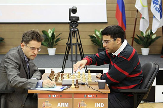 Anand sorprende y vence a Aronian