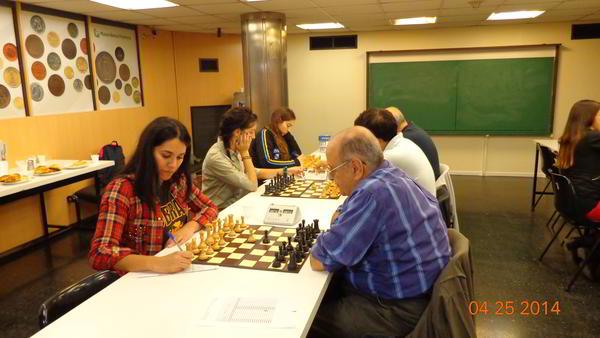 Obras AySA (equipo femenino) 4 vs Banco Provincia (equipo masculino): 2