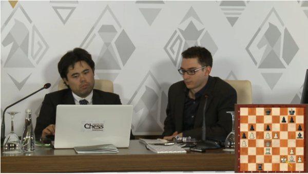 Nakamura comentando su partida con Fabiano Caruana