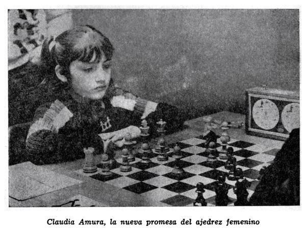 """Claudia Amura, la nueva promesa del ajedrez femenino (fotografía publicada en la revista """"Ajedrez"""", del mes de Agosto de 1979). Vaya si cumplió!"""