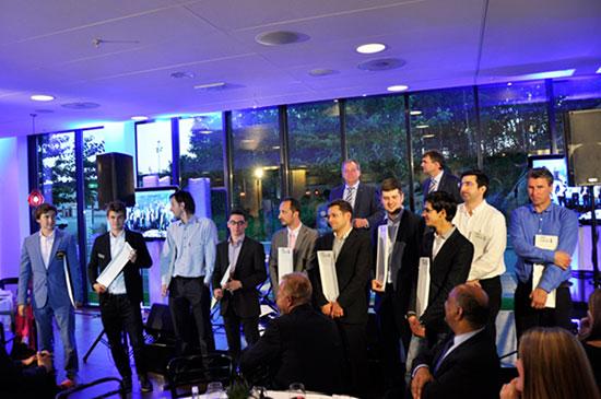 Los participantes en la ceremonia de clausura.