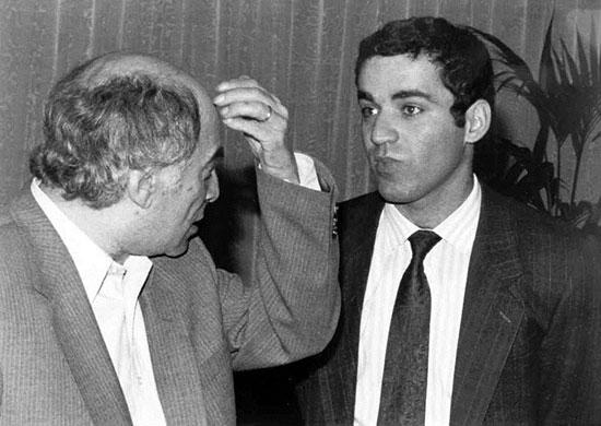 Mihail Tal y Gary Kasparov, en 1988