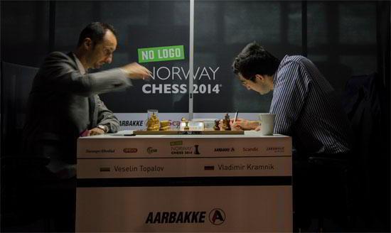 Topalov vence a Kramnik