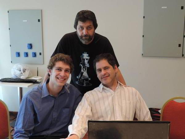 El equipo arbitral, junto al MI Jorge Rosito