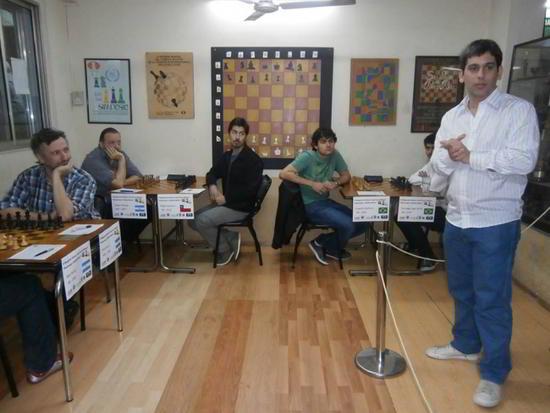 El AI Leandro Plotinsky da la bienvenida a los participantes del magistral