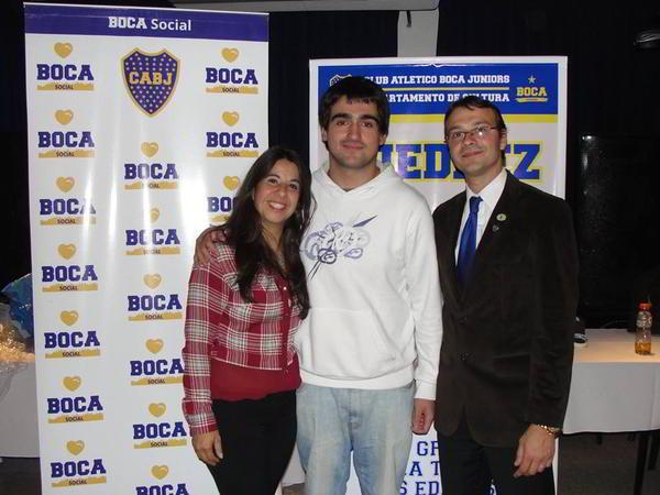 Perez Ponsa (centro), junto a Elisa Maggiolo y Marcelo Hermida