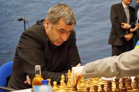 """""""Chuky"""" Ivanchuk  está primero en el super-torneo Tata Steel."""