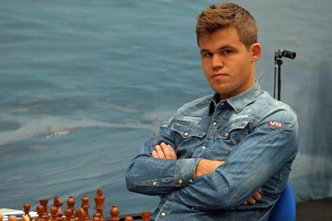 Magnus Carlsen se recuperó y ganó ante Van Wely