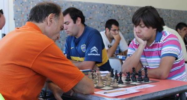Quiroga vs Aguilar, junto a Paveto
