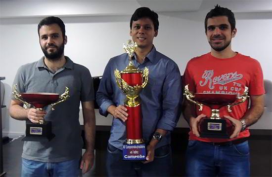 Los tres primeros: Felipe El Debs (subcampeón), Rafael Leitão (campeón), Krikor Mekhitarian (tercero)