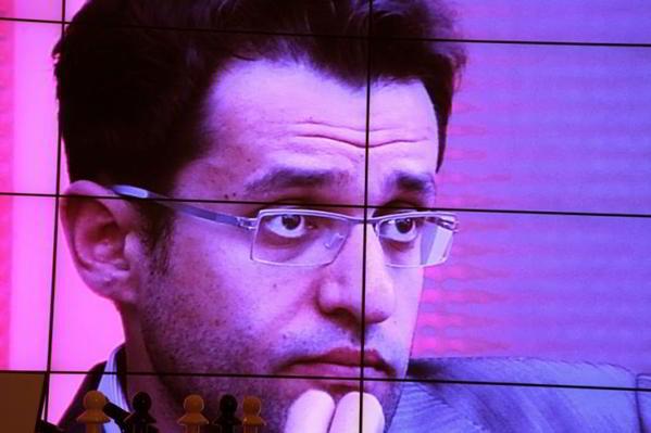 Levon en la gran pantalla en el TASHIR Chess tournament | foto: Boris Dolmatovsky, official website
