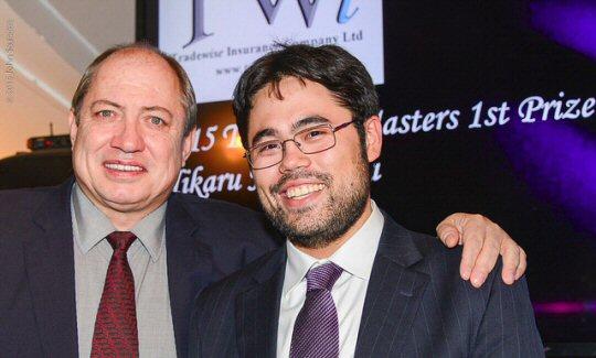 Nakamura, ganador del Masters 2015, junto a James Humphreys, de la empresa Tradewise.
