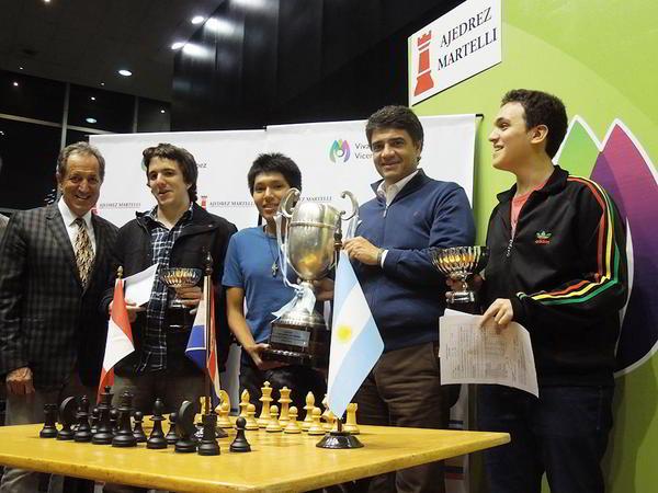Mario Petrucci (Pte.FADA) y Jorge Macri (Int.Vicente Lopez), junto a los 3 primeros: Bachmann, Cori (vencedor) y Pichot.
