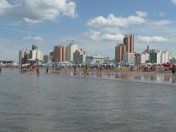 Vista de las hermosas playas de la ciudad de Necochea, a 528 km de Buenos Aires