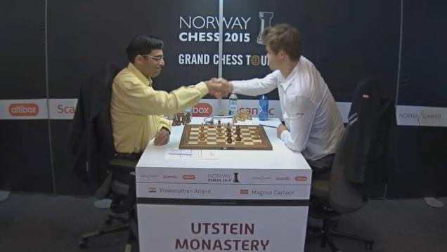 Carlsen abandona frente a Anand