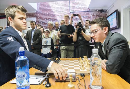 Carlsen venció con negras a Caruana