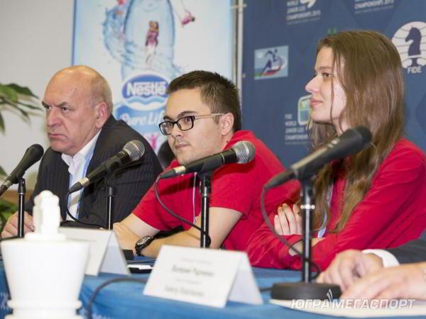 Antipov y Buksa en la conferencia de prensa