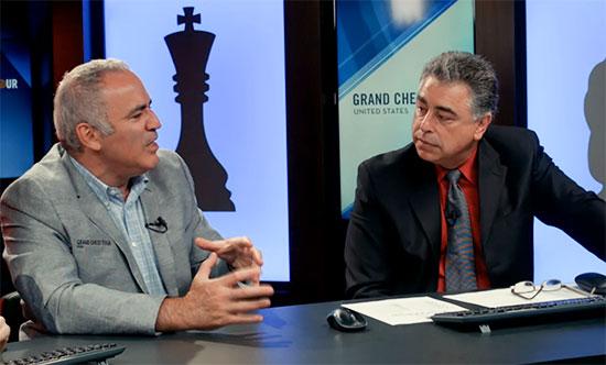 Garry Kasparov junto a Yasser Seirawan