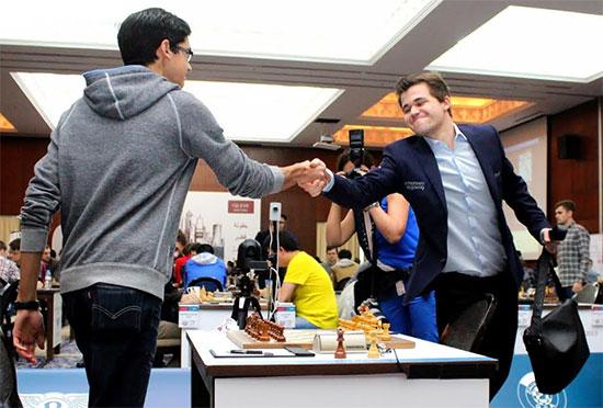 Otro empate entre Giri y Carlsen
