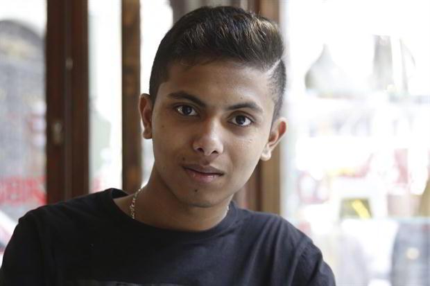 El refugiado Fahim tiene 13 años.