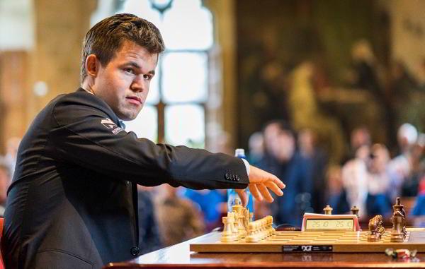 Magnus Carlsen estuvo implacable en el segundo día | foto: Lennart Ootes