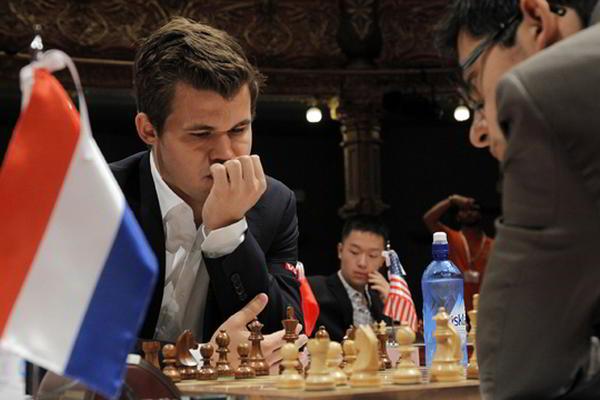 Carlsen sigue sin poder vencer a Giri