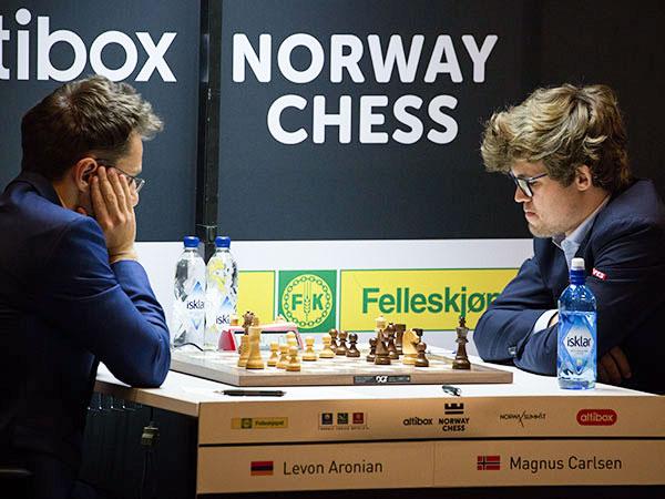 "Aronian ""pinta"" al campeón mundial"