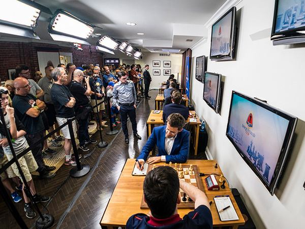 Hermosa victoria de Levon Aronian en la 1rar onda