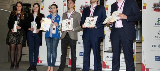 Peter Svidler y Aleksandra Goryachkina, campeones de Rusia 2017